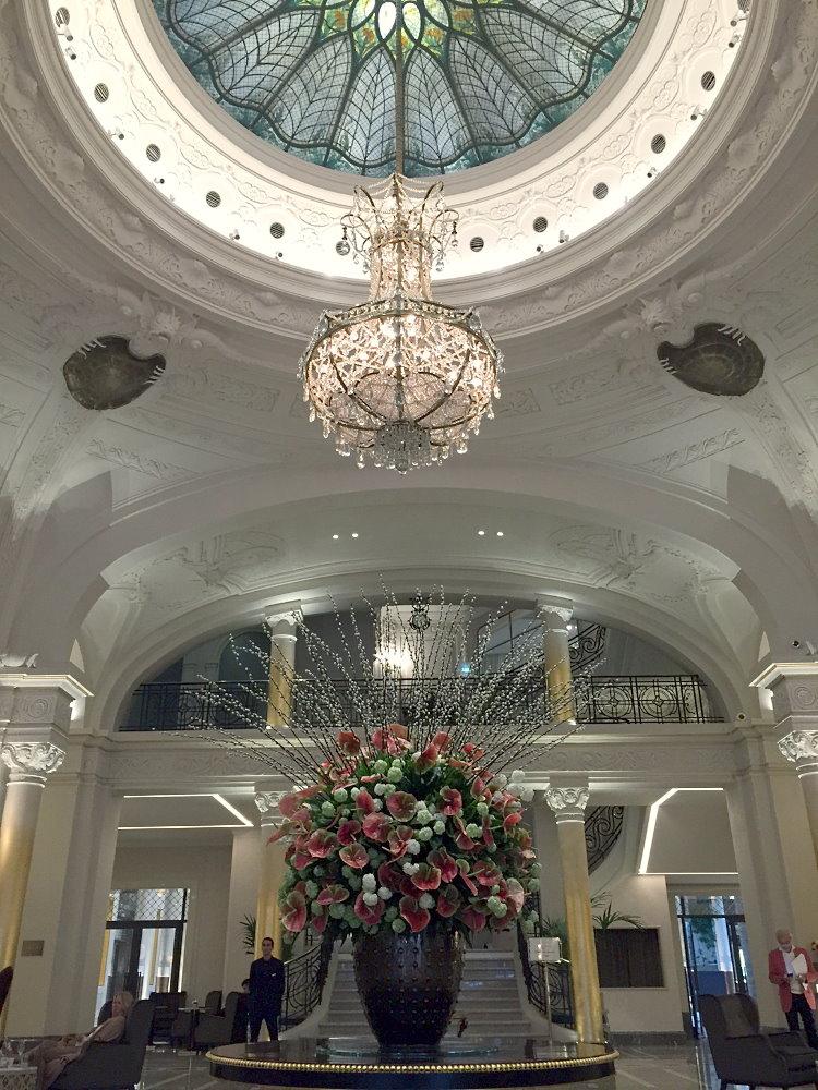Le lobby de l'hôtel de Paris